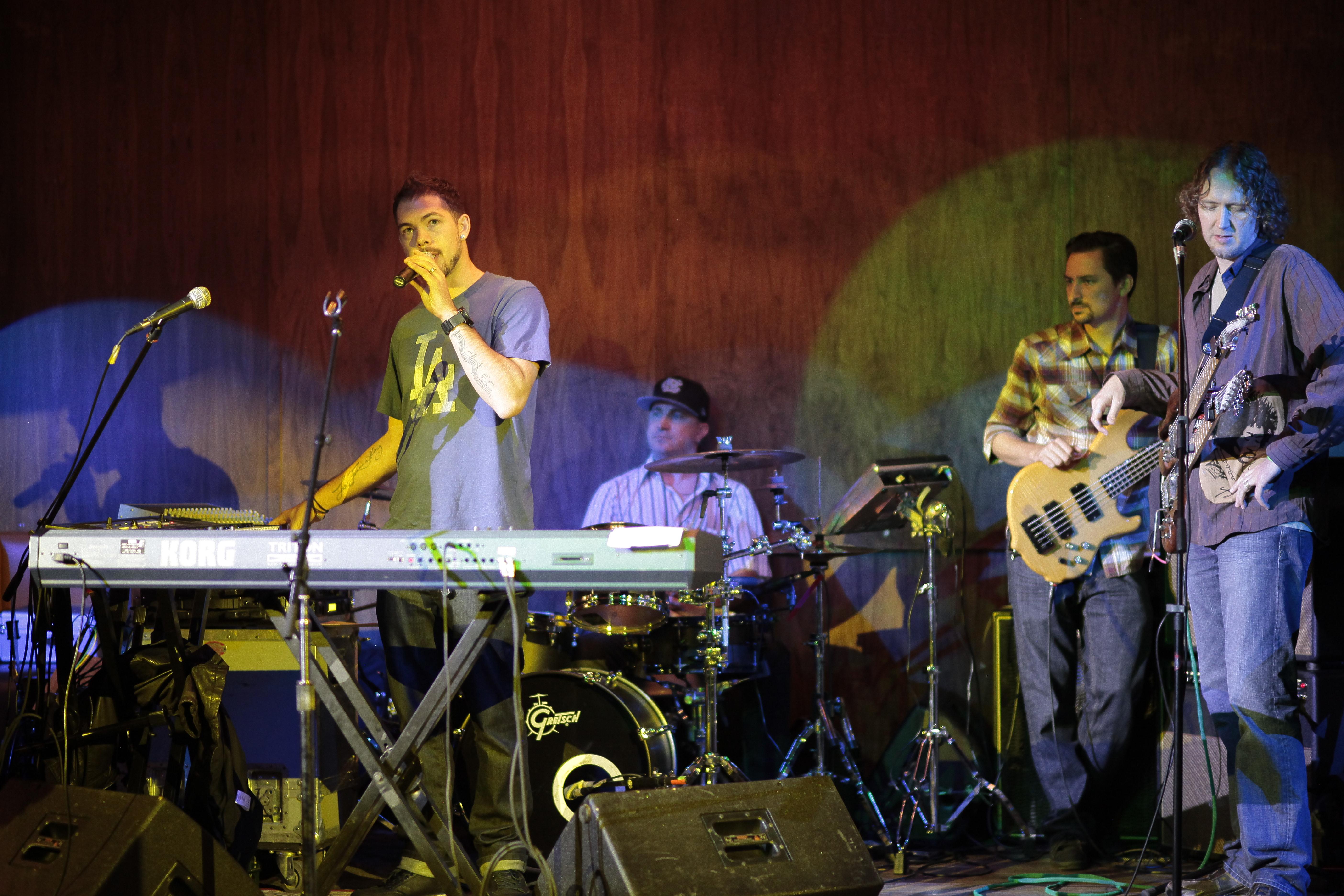 Salvador Santana sound check