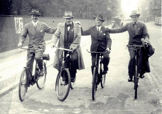 Cyklister_1942.jpg
