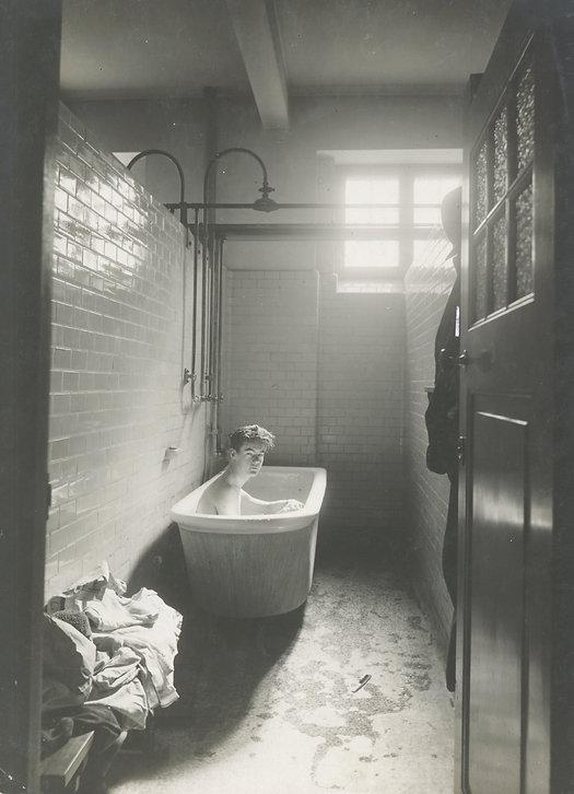 badekar ung mand _gammelt.jpg