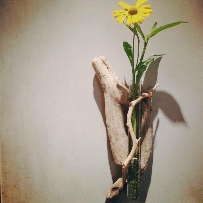 """8月のworkshop""""流木の1輪挿しと、夏の野花のミニブーケ"""""""