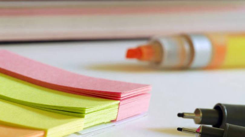 Divida as disciplinas em tópicos e estabeleça prioridades no programa de estudo