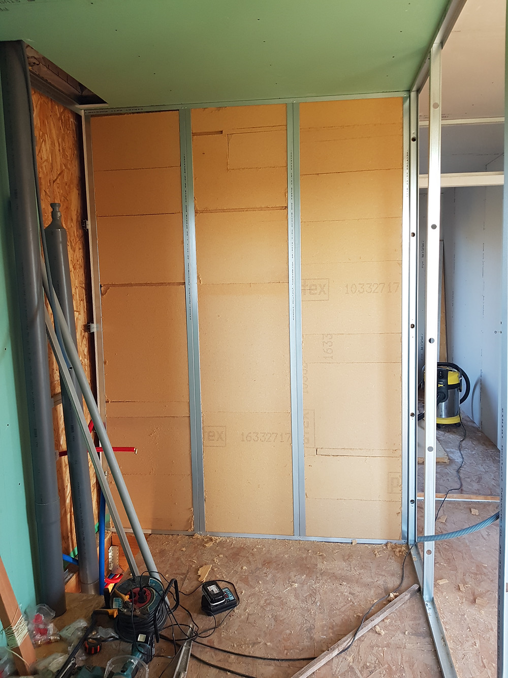 Isolation acoustique des cloisons avec panneaux de fibre de bois