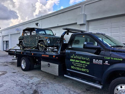 Check this _thing_ out! 🤣 _Contact us at Boogie Down towing for a damage free lift to anywhere in B