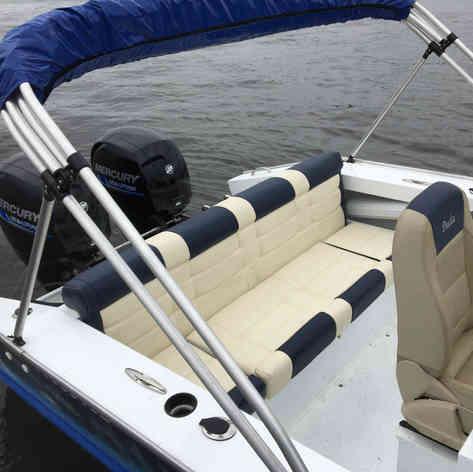 Barco de Pesca modelo Caiman da Maresias Náutica