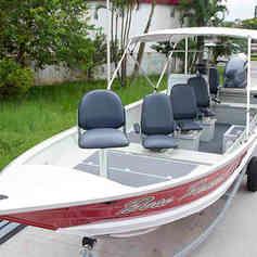 Barco de Pesca modelo Xtreme da Maresias Náutica