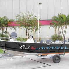 Barco de Pesca modelo Swell da Maresias Náutica