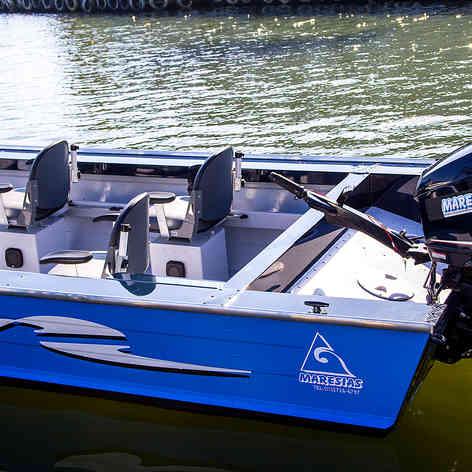 Barco de Pesca modelo Alaska da Maresias Náutica