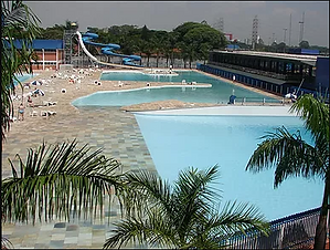 piscina-grande.png
