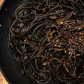 Recipe / Squid ink pasta: black smiles