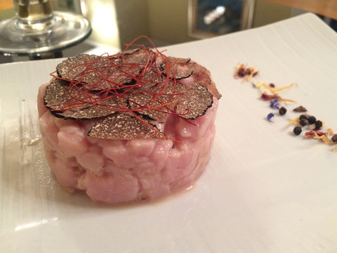Recipe / Veal tartare with truffle: hand-chop it for a great result
