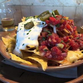 Chamonix / Micro Brasserie de Chamonix: american bar food in local brewpub