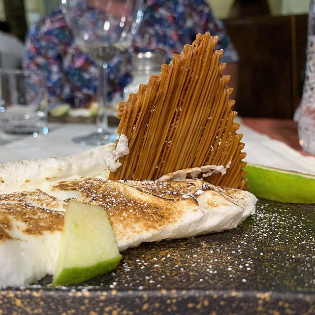 Sweet filindeu (rarest pasta in the world) with honey and myrtle, meringue
