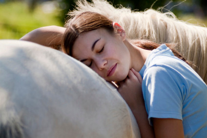 stableLiving_equine_therapy4.jpg