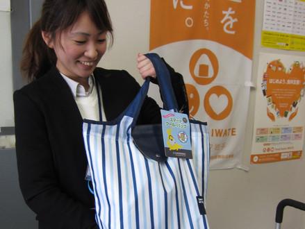 日本百貨店協会様から保冷バックをご寄贈いただきました