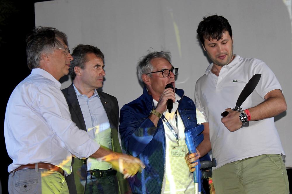 la consegna del premio trofeo VFR Aviation a Matteo Barbato