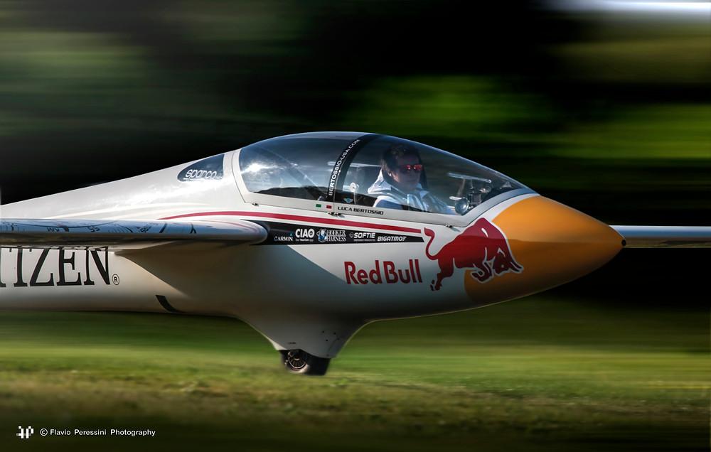 luca berteggio, swift s1, leonardo,volo acrobatico, acrobazia aerea, manifestazione, rivolto, 55 anniversario pan