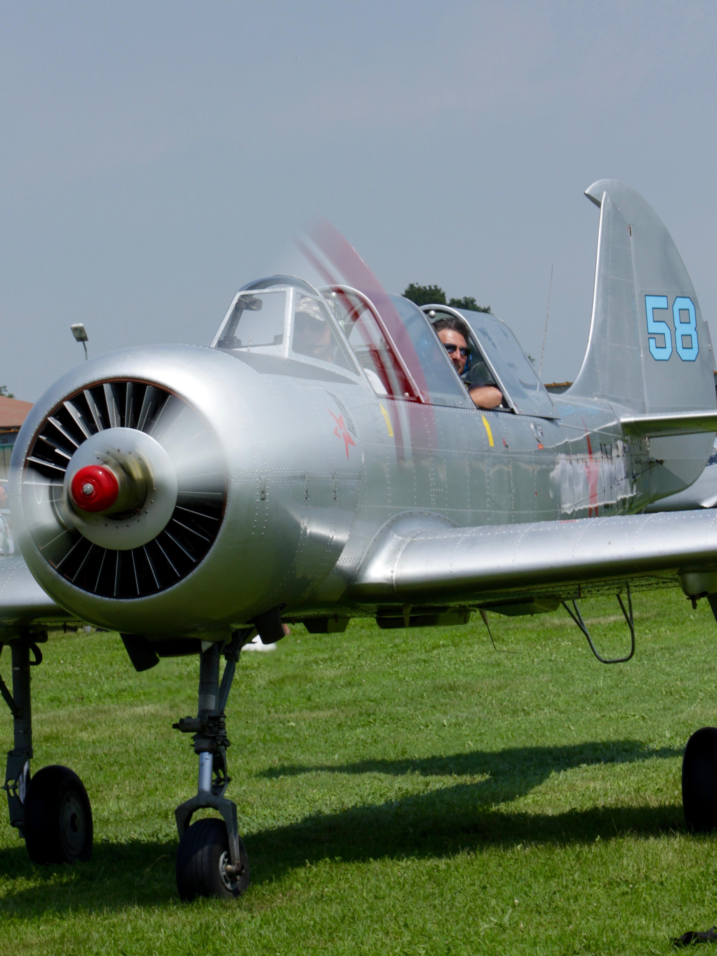 YAK 52, pilota Gian Enrico Buso