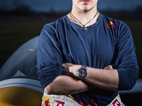volo acrobatico: Il nostro campione, Luca Bertossio, si racconta così