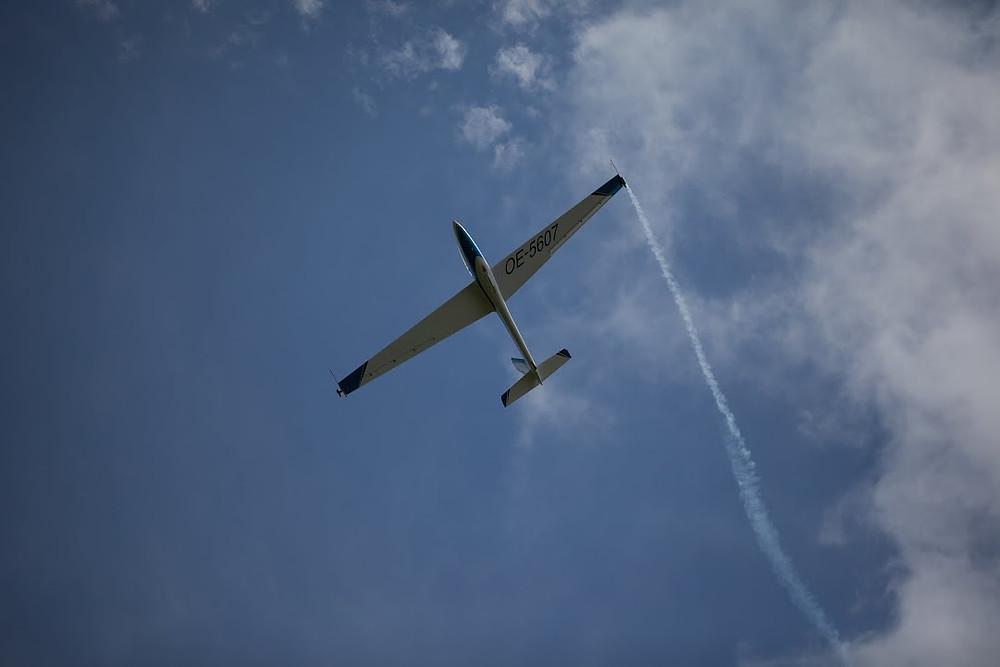 volo acrobatico aliante swift libero artistico fumogeno