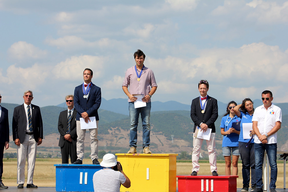 Matteo Barbato, VFR Aviation, campione, volo acrobatico, medaglia d'oro, acrobazia, CAP 232, pilota