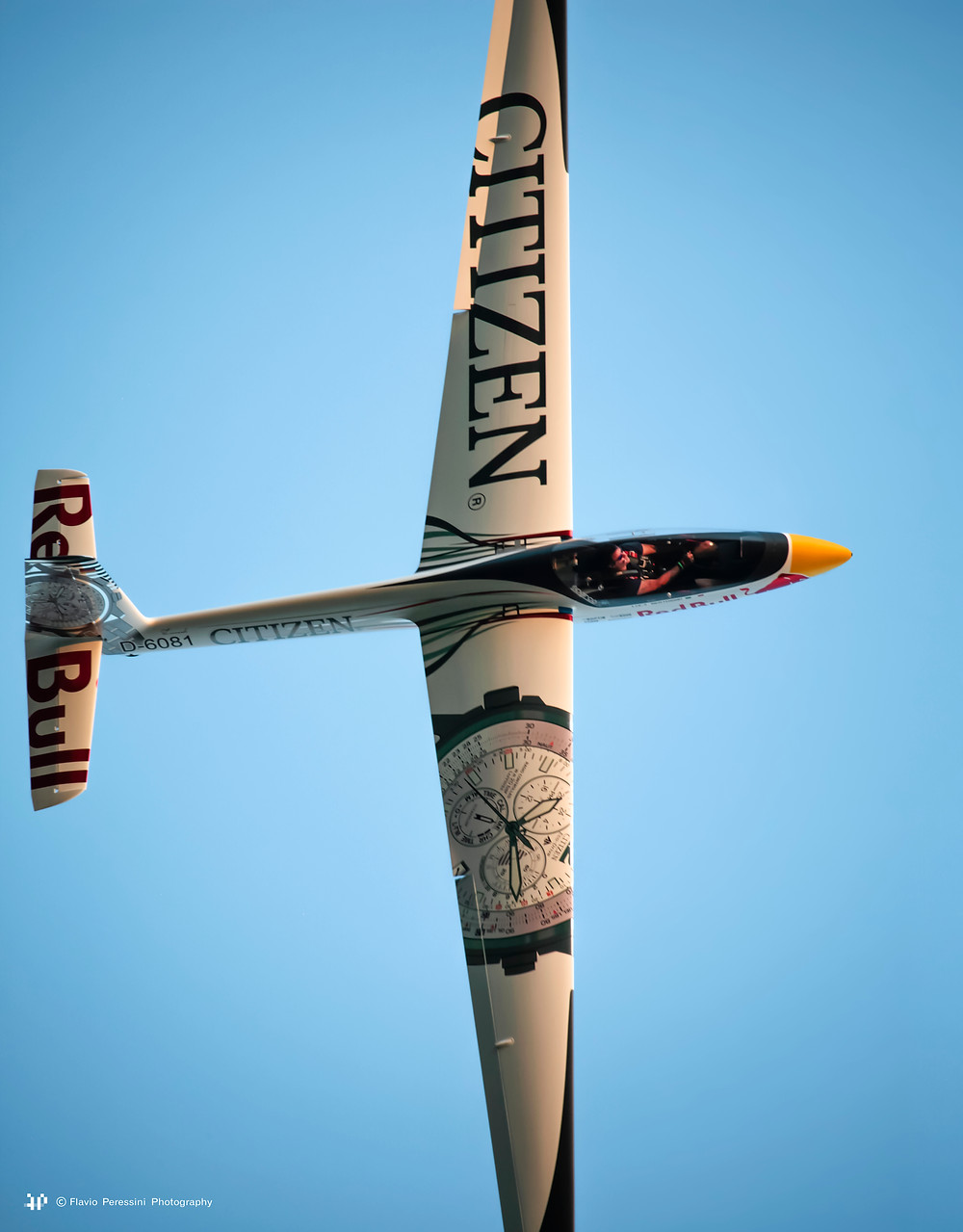 Luca Bertossio, volo acrobatico, VFR Aviation, intervista, acrobazia, aliante, pilota, red bull, citizen, swift