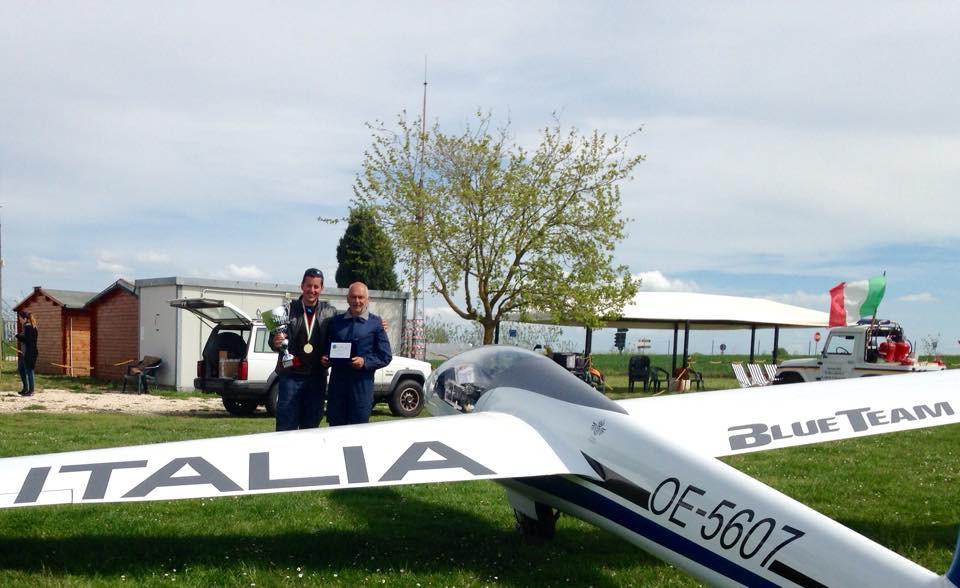 volo acrobatico aliante vincitori Ferrarese e Filippini