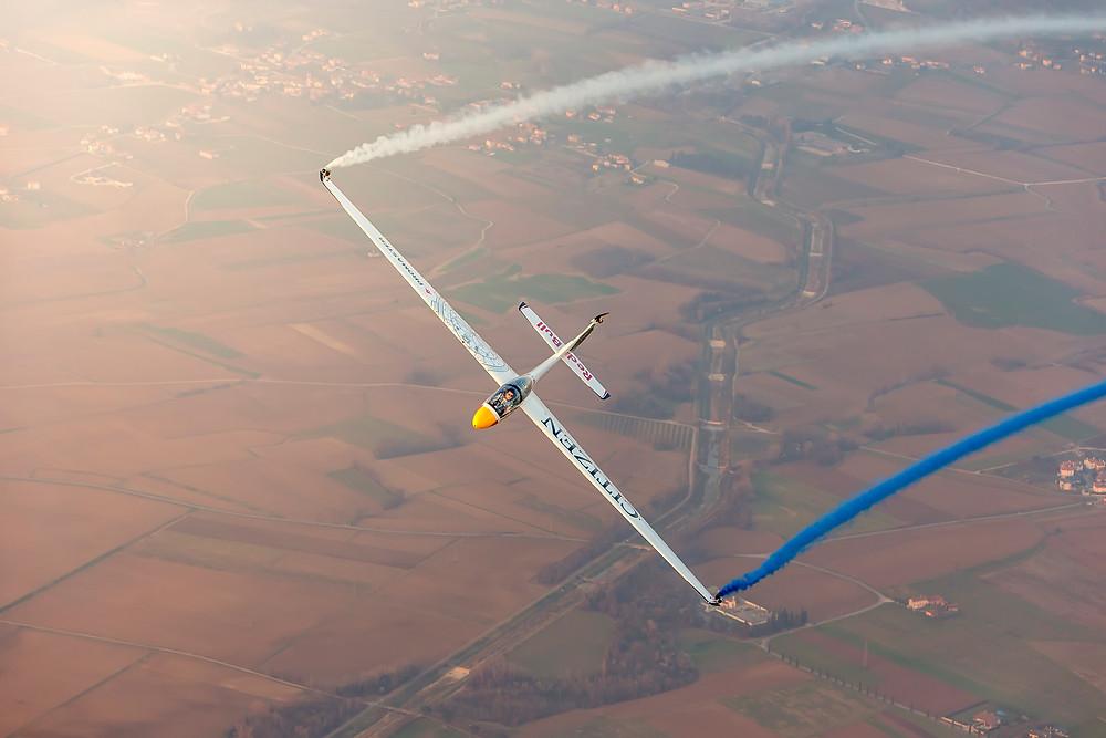 volo acrobatico aliante Bertossio Red Bull