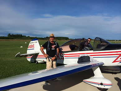 Scuola di volo acrobatico, Assofly, Ravenna, Marzetti, Istruttore di acrobazia, acrobazia aerea, CAP 10