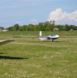 volo acrobatico: Ferrarese in atterraggio