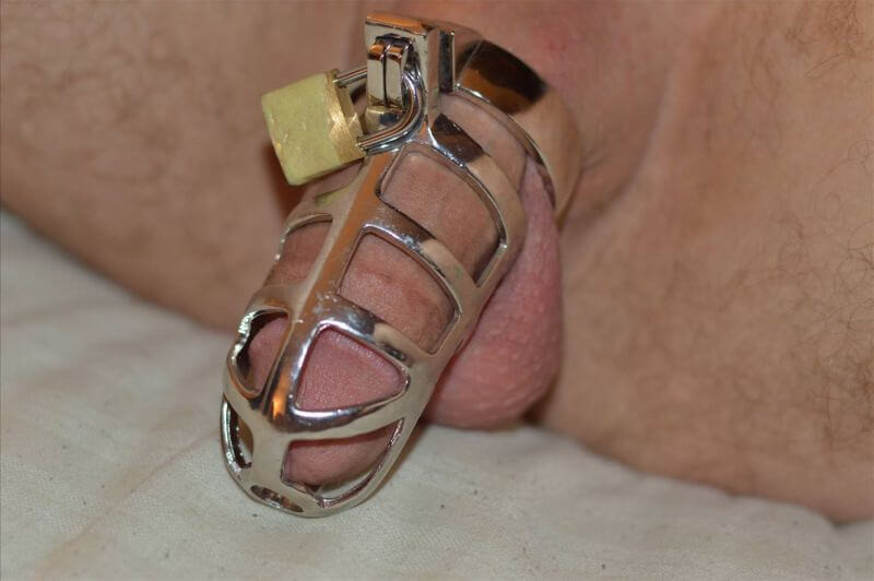 male metal chastity cage