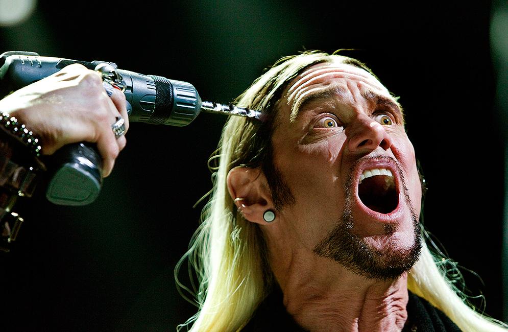 3-The-Incredible-Burt-Wonderstone-Jim-Carrey-Drills-His-Head-Photo-by-Ben-Glass-