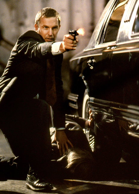 1-The-Bodyguard-Kevin-Costner-Photo-by-Ben-Glass