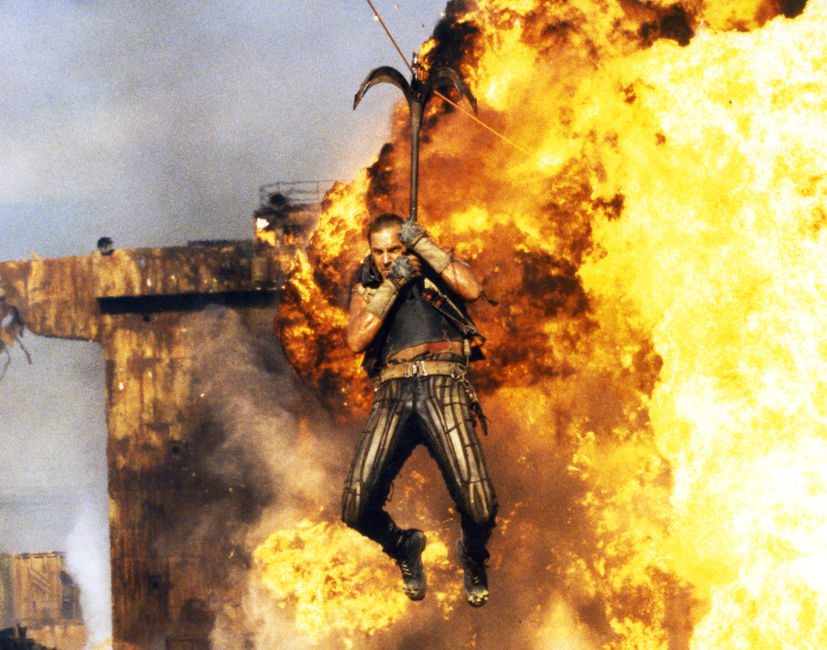 4-Water-World-Kevin-Costner-Does-His-Stunts-Photo-by-Ben-Glass