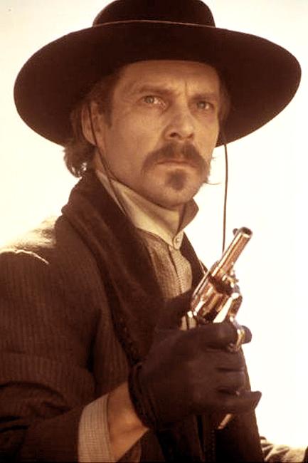 3-Wyatt-Earp-Dennis-Quaid-Photo-by-Ben-Glass