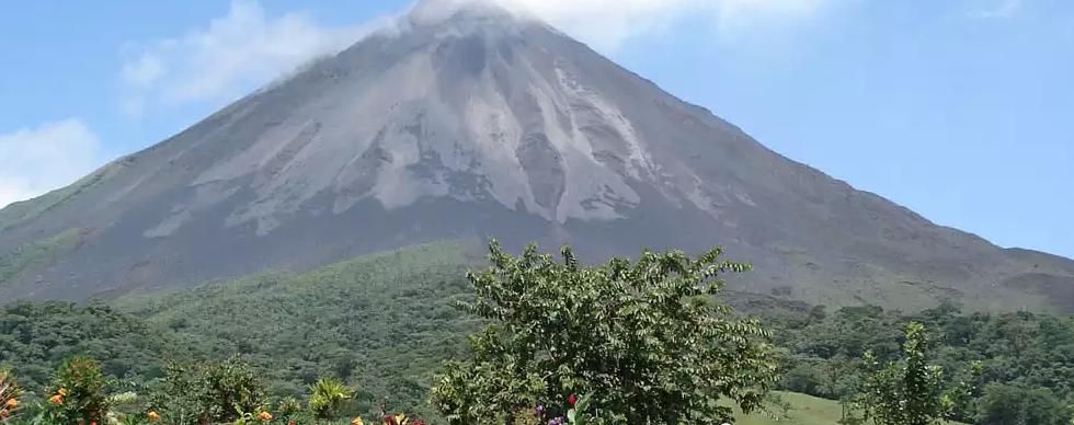 magnificent-arenal-volcano.webp