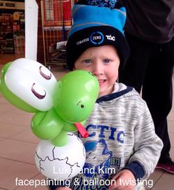 balloon twisting art facepainting Lu