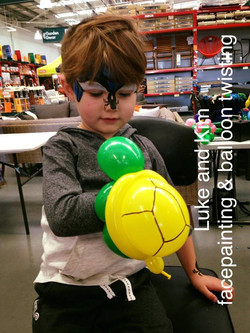 Bunnings Traralgon Balloon twisting