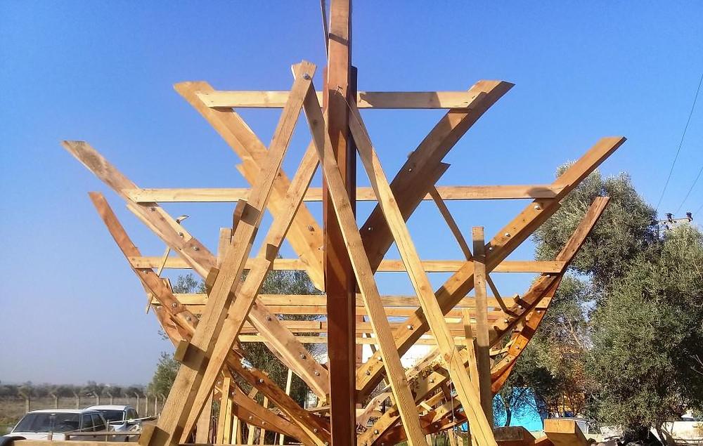 Kayığımızın, tırhandilimizin baş postaları / eğrileri. Bow frames of our caique / trehandiri