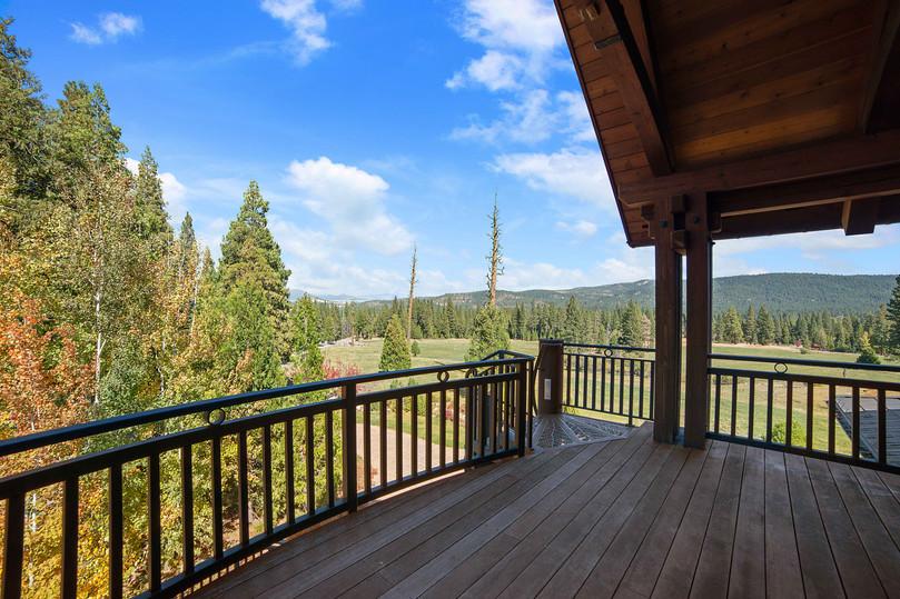 Cedars Lodge Master Balcony