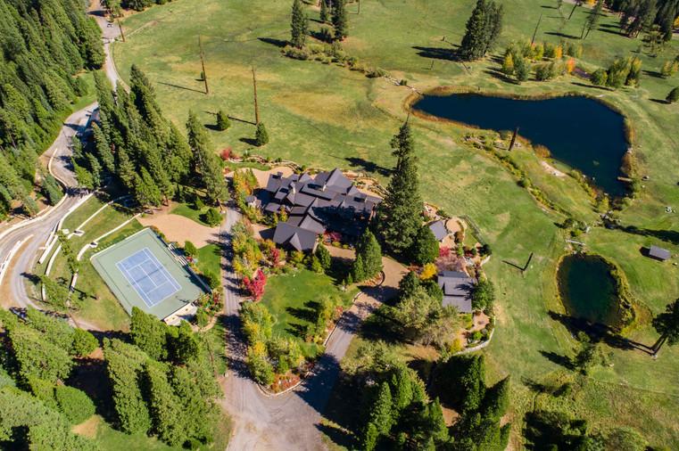 Cedars Lodge & Carriage House