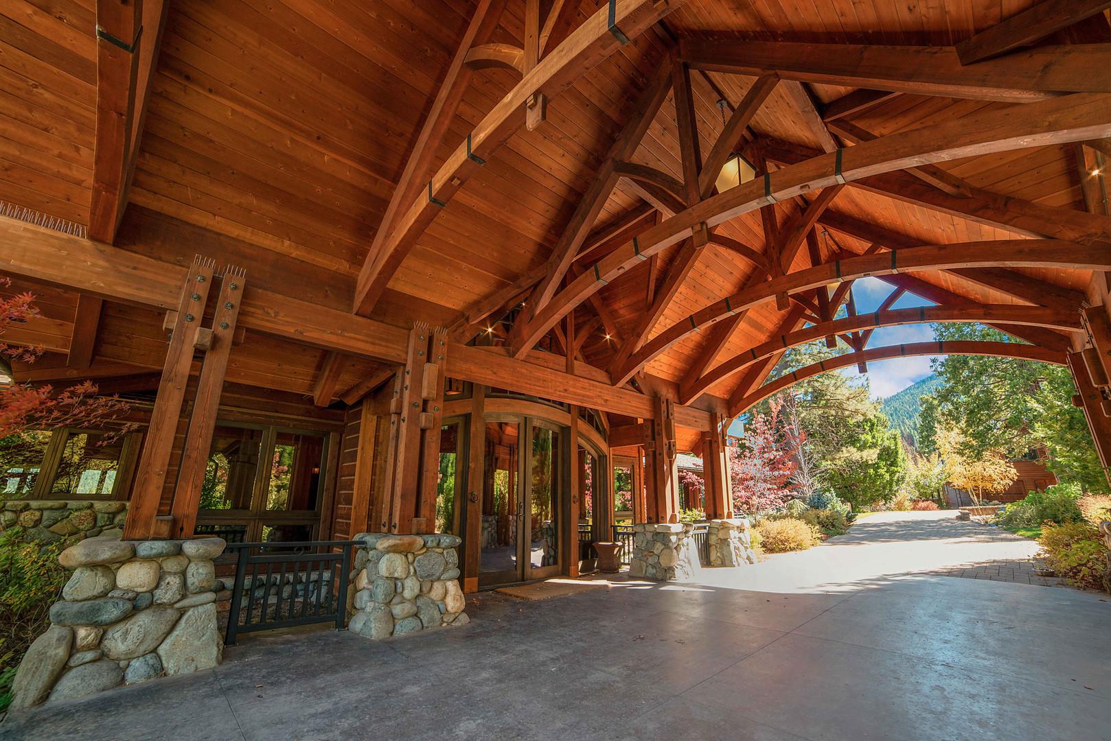 Cedars Lodge Porte Cochere