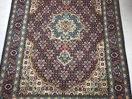 TABRIZ産・ペルシャ絨毯