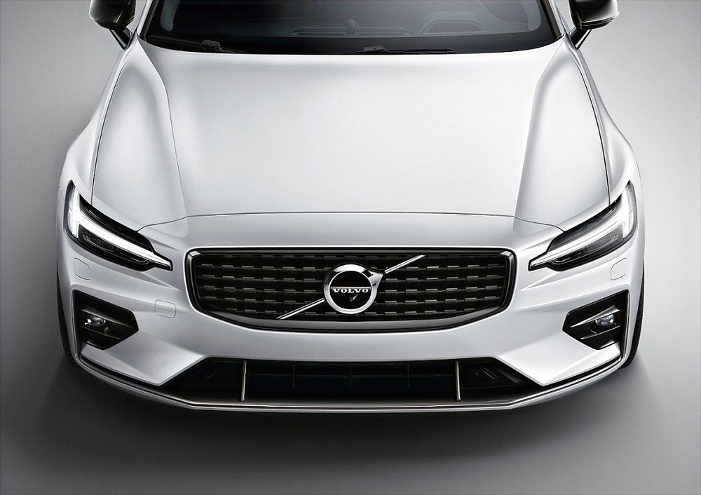 Volvo V60 Makes an Exciting New Addition to the Dubai Limousine Market