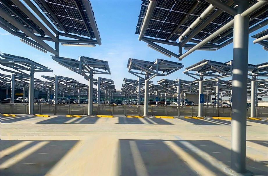 Abu Dhabi Airports and Masdar Complete Development of Largest Solar-Powered Car Park