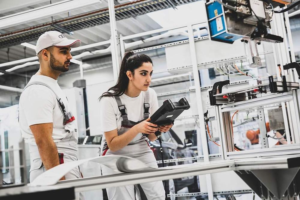 Digital information weeks for apprenticeships at Audi