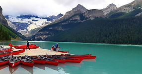 #lakelouise ##canadianrockies #lesrocheu