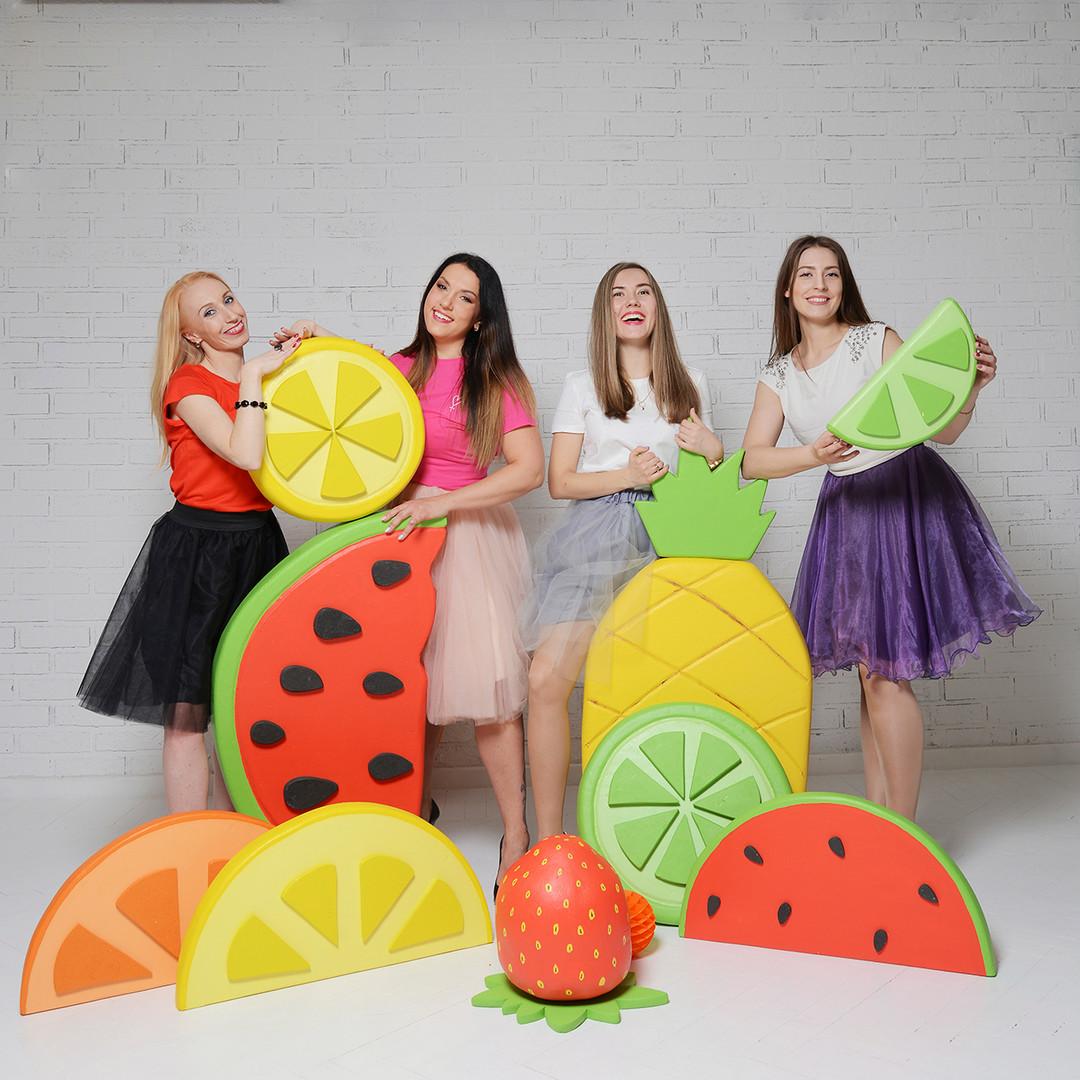Комлект гигантских фруктов