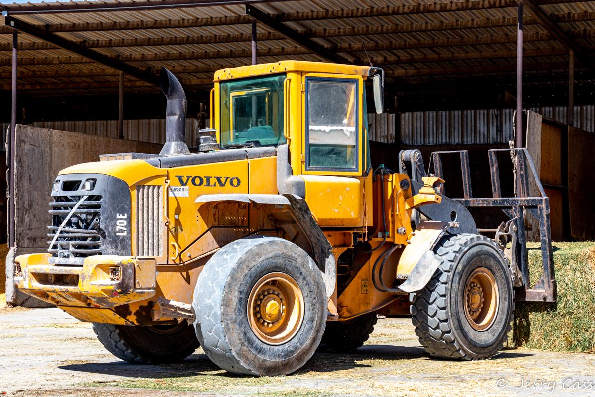 Volvo Front end loader.jpg