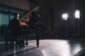 Mikael_filming.jpg