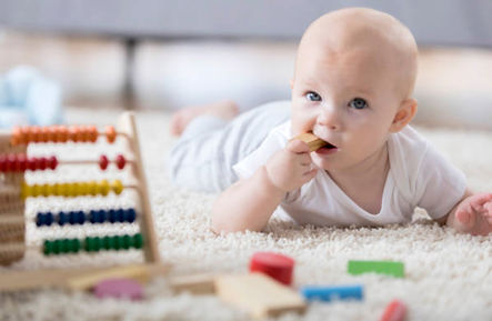 Ecavand desinfektion af legetøj. Eca-h2o efterlader ingen giftige stoffer.
